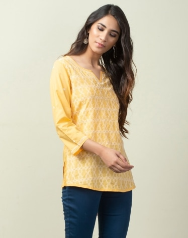 1518a3ecb32b43 Buy women wear from fabindia chikankari Collection Online