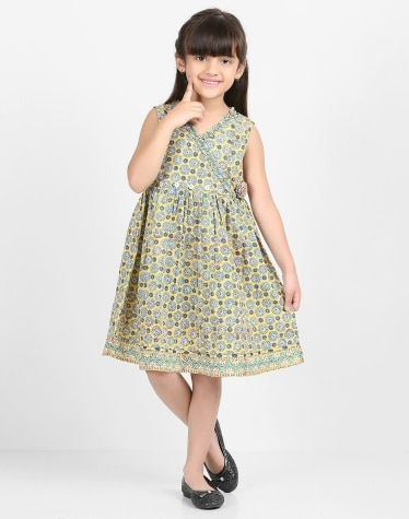 Buy Kids Clothing from Fabindia Summer Collection Online 034c5357bc83